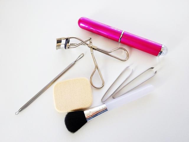化粧品の断捨離と収納のコツ【あなたが大好きな化粧品だけ使う】