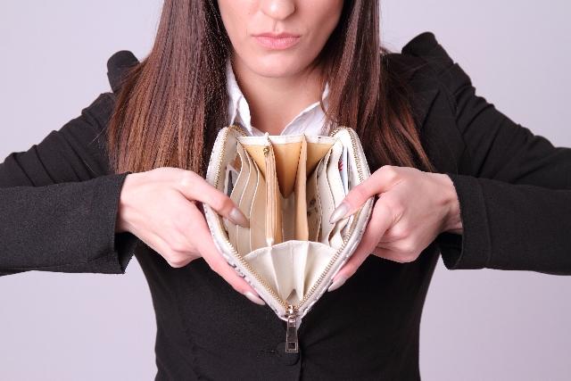 人生を楽しくする女性ミニマリストのお財布管理の4ステップ!