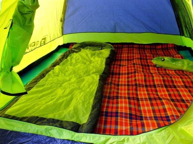 ミニマリストにベストな寝具選び!冬のシーズンに寝袋は必要か?
