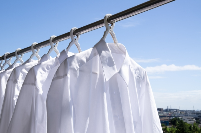 ワイシャツはミニマリストの強い味方!枚数や、選び方のコツとは?